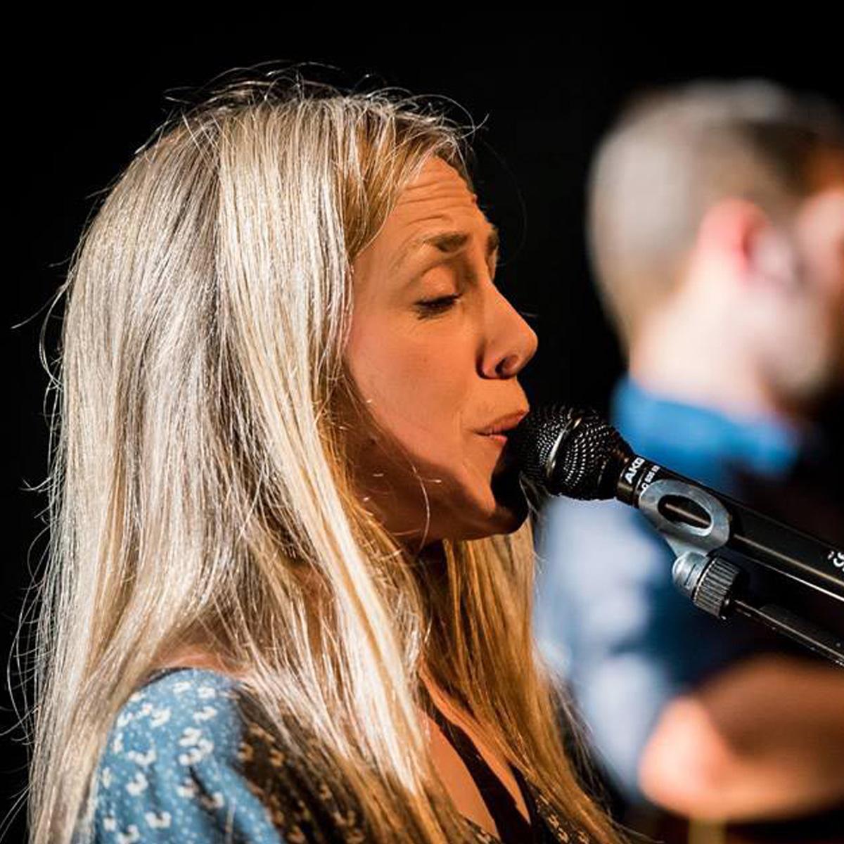 """Crédit photo: Bruno Lavit. Concert à """"La salle noire"""" Grenoble 2017."""